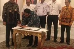 Penandatanganan MoU Pengembangan Wisata Kepulauan Seribu dengan Pemda DKI Jakarta dan Universitas Nasional yang di tandatangani oleh Wakil Rektor bidang Administrasi Umum, Keuangan dan SDM, Prof. Dr. Eko Sugianto, M.Si