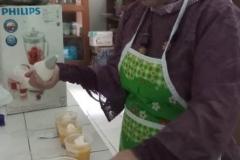 Dosen Pertanian Unas Ir. Etty Hesthiati M.Si. olah buah Alkesah jadi dessert kekinian (2)