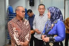 Bercengkerama -  Rektor Universitas Nasional Dr El Amry Bermawi Putera M.A. beserta Koordinator Kopertis Wilayah III, Dr. Ir. Illah Sailah