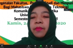 Wakil Dekan FTKI, Dr. Fauziah, S.Kom., MMSI.  selaku moderator kegiatan