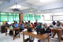 Pengenalan Pengutipan Dalam Penelitian Dosen Fakultas Bahasa & Sastra UNAS (5)