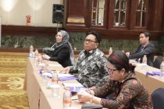 Wakil Rektor Bidang Administrasi Umum, Keuangan, dan SDM Prof. Dr. Drs. Eko Sugiyanto, M.Si (batik tengah) saat menghadiri acara Rapat Evaluasi Kinerja Tridharma Perguruan Tinggi Tahun 2019 dan Penyampaian Komitmen Kinerja Tahun 2020 pada hari Senin, 2 Desember 2019 di hotel Bidakara