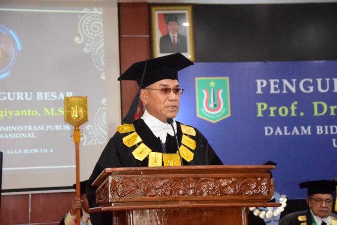 Rektor Universitas Nasional Dr. El Amry Bermawi Putera M.A