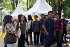 kemeriahan mahasiswa dalam penutupan dies natalis fakultas hukum (2)
