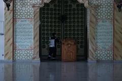 Penyemprotan disinfektan juga dilakukan di area masjid STA UNAS pada Sabtu, 07 Juli 2020