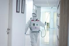 Penyemprotan desinfektan di fasilitas kampus