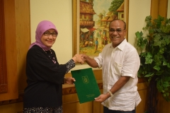 Penyerahan Surat Keputusan BAN PT Akreditasi A Univeristas Nasional