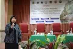Wakil Rektor Bidang Penelitian, Pengabdian pada Masyarakat dan kerjasama (Prof. Dr. Ernawati Sinaga, M.S., Apt.) sedang mengisi talk show