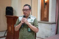 Kepala Sub. Bagian Tata Usaha Balai Besar Taman Nasionak Ujung Kulon Ir. Agus Bambang Haryono