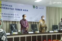 Saat menyanyikan Indonesia Raya dalam acara Peresmian Universitas Siber Asia, pada Selasa, 22 September 2020