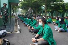 Persiapan para peserta sebelum melakukan upacara pembukaan kegiatan PKKM pada Jumat (6/11) di Rindam Jaya