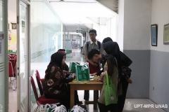 Peserta saat registrasi di depan ruang pelaksaan PLBA