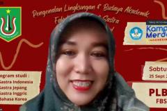 Ketua Program Studi Sastra Inggris Siti Tuti Alawiyah, S.S., M.Hum.  saat memberikan sambutan dalam PLBA Fakultas, Sabtu 25 September 2021