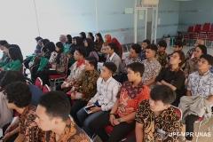 Peserta PLBA secara seksama mengikuti kegiatan Pengenalan Lingkungan Dan Budaya Akademik Semester Genap 2019/2020 di ruang seminar Kamis (5/3)