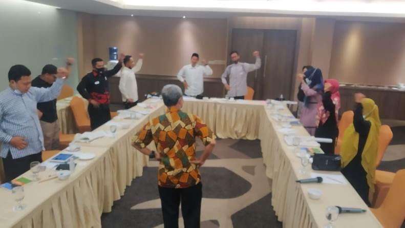 Saat kegiatan workshop pendidikan lingkungan hidup untuk kalangan pesantren berlangsung pada Rabu, 7 April 2021 di Hotel Premiere Pekanbaru, Riau
