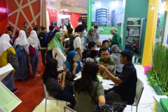 3_Keramaian Stand UNAS di Acara EDUCATION AND TRAINING EXPO 2017