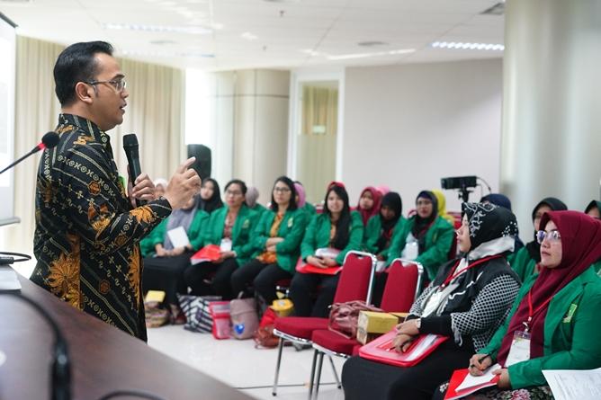 """Pelatihan Preceptorship dan Comprehensive Emergency Midwifery Training (CEMT) """"Mewujudkan Instruktur Klinik Yang Kompeten Guna Tercapai Bidan Yang Profesional"""" pada Kamis-Sabtu (04-06/7) di Menara UNAS Ragunan Jakarta"""