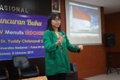 Saat menyanyikan lagu indonesia raya dan mars unas (2)