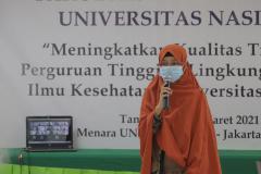 Moderator pada rapat kerja Fakultas Ilmu Kesehatan Universitas Nasional