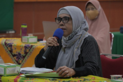 Wakil Dekan Fakultas Pertanian UNAS Ir. Farida, M.M. saat rapat dosen pengampu mata kuliah kewirausahaan pada Senin, 15 Maret 2021 di Auditorium Blok 1 lantai 4 Universitas Nasional