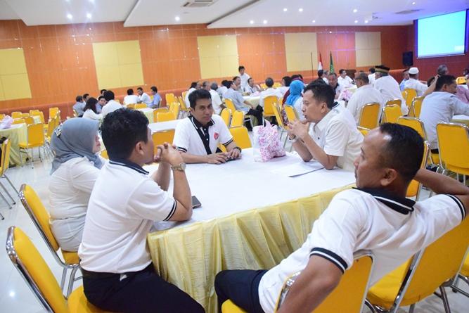 Para peserta reuni akbar dan buka puasa pertama