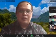 Conservation Of Forest Resources And Ecotourism Department – IPB Dr. Nandi Kosmaryandi, M.SC, forest.trop saat memaparkan materinya dalam Samota Talk : Mengusung Partisipasi Stakeholders dalam Tata Kelola Cagar Biosfir Selasa, 24 November 2020