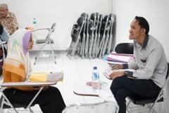 Situasi saat proses wawancara dengan calon penerima beasiswa bidikmisi