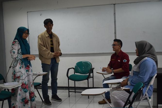 debat bahasa indonesia mahasiswa
