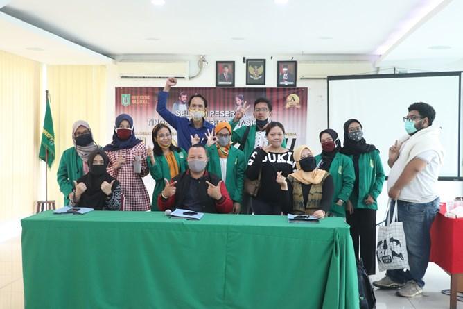 Foto bersama seluruh juri, panitia, dan peserta KDMI 2020 pada Sabtu (25/7) di Ruang Seminar Selasar Lantai 3.
