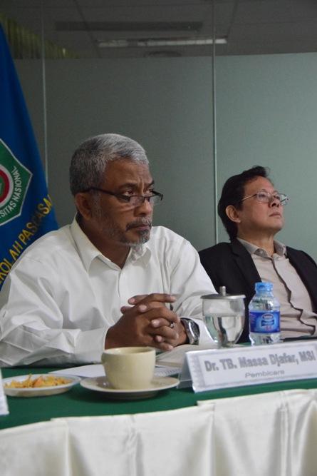 Pembicara (Dr. TB. Massa Djafar, MSi.) 2