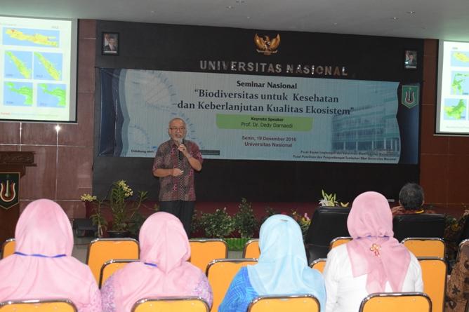 Unas_Prof. Dr Dedi Damaedi saat memberikan kuliah umum