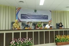 """Seluruh narasumber pada acara Seminar Community Development """"Mengarusutamakan Peran Stakeholder s, Mendorong Kemandirian"""" menara 1 UNAS Jum'at (20/9)"""