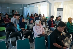 Peserta Seminar dan Walk In Interview : Your Future Start Here