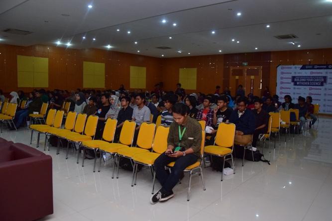 kemeriahan peserta seminar himasi