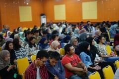 """Seluruh peserta nampak khusyuk mengikuti diskusi panel tentang film """"Dilarang mandi dikamar mansdi"""""""