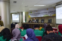 Seminar (Funtastic International Relations Journalistic) (10)