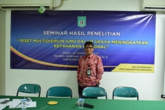 moderator seminar hasil penelitian rabu 22 februari