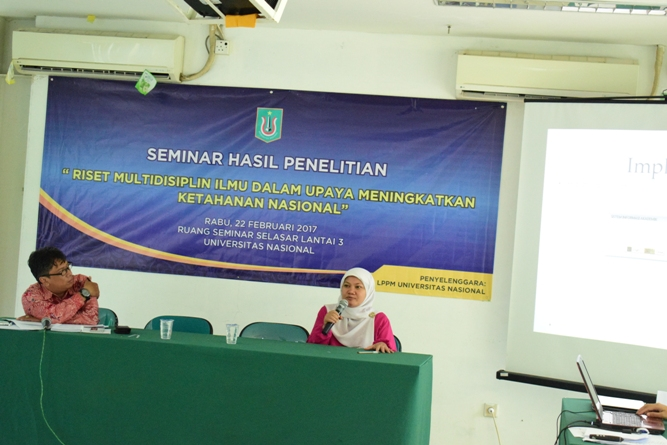 presentasi seminar di ruang seminar