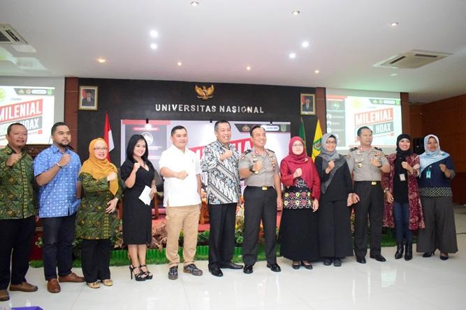 Foto Bersama Polri dan Civitas Akademika Universitas Nasional (2)