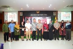 Foto Bersama Polri dan Civitas Akademika Universitas Nasional