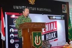 Sekretaris Prodi Nursatyo, S.Sos., M.Si saat pembacaan doa (2)
