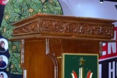 Sekretaris Prodi Nursatyo, S.Sos., M.Si saat pembacaan doa