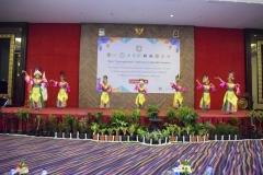 Pagelaran pentas seni tari pada saat pembukaan seminar internasional FIKES UNAS 2019 di Jakarta, (14/3)