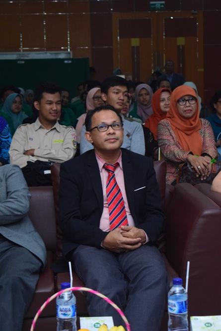 Prof. Dr. Nik Nazri dari University of Malaya, Malaysia (1)