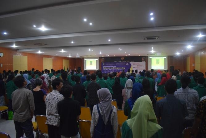 Saat Seminar Internasional Berlangsung (3)