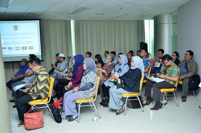 Para peserta seminar dan Tamu Undangan (2)
