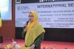 narasumber dalam seminar internasional