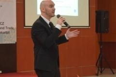 salah satu narasumber dalam seminar