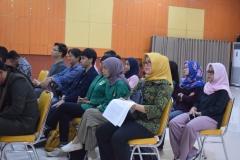 tamu undangan yang hadir dalam seminar