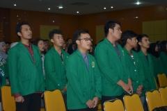 Saat menyanyikan Indonesia Raya